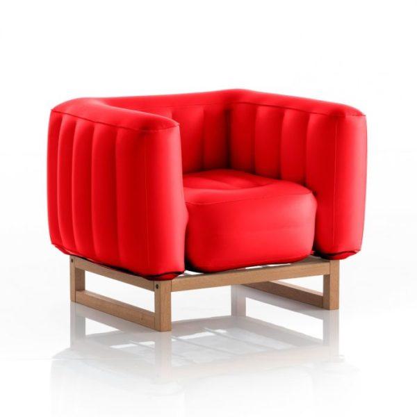 כורסת-יומי-בצבע-אדום-אטום-עץ